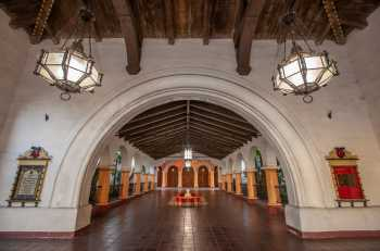 Arlington Theatre, Santa Barbara: Vestibule Arch looking into The Paseo