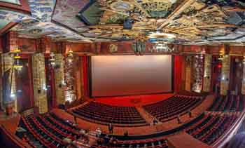 TCL Chinese Theatre, Hollywood: Auditorium from TCL Box (panorama)