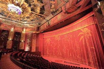 TCL Chinese Theatre, Hollywood: Auditorium from cross-aisle House Right