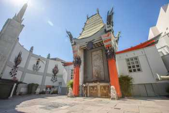 TCL Chinese Theatre, Hollywood: Forecourt from East