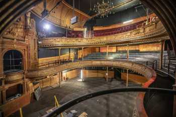 Citizens Theatre, Glasgow: Auditorium from House Left Box
