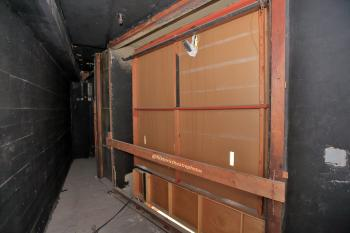 Earl Carroll Theatre, Hollywood: Behind house right side stage