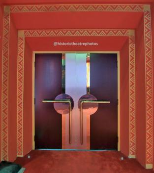 Earl Carroll Theatre, Hollywood: Auditorium Doors