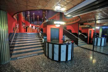 Earl Carroll Theatre, Hollywood: Entrance Lobby (2)