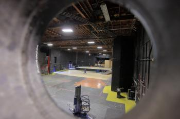 Earl Carroll Theatre, Hollywood: Portal from dimmer room to Stage