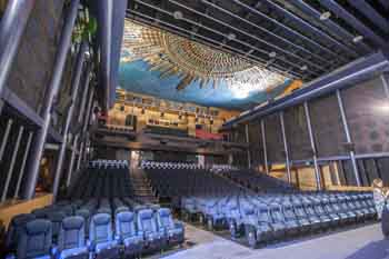 Egyptian Theatre, Hollywood: Auditorium from Screen