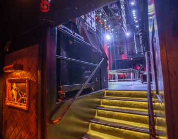 Avalon Hollywood: Stage Right Steps To Stage