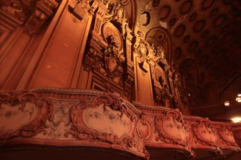 Los Angeles Theatre: Loge detail