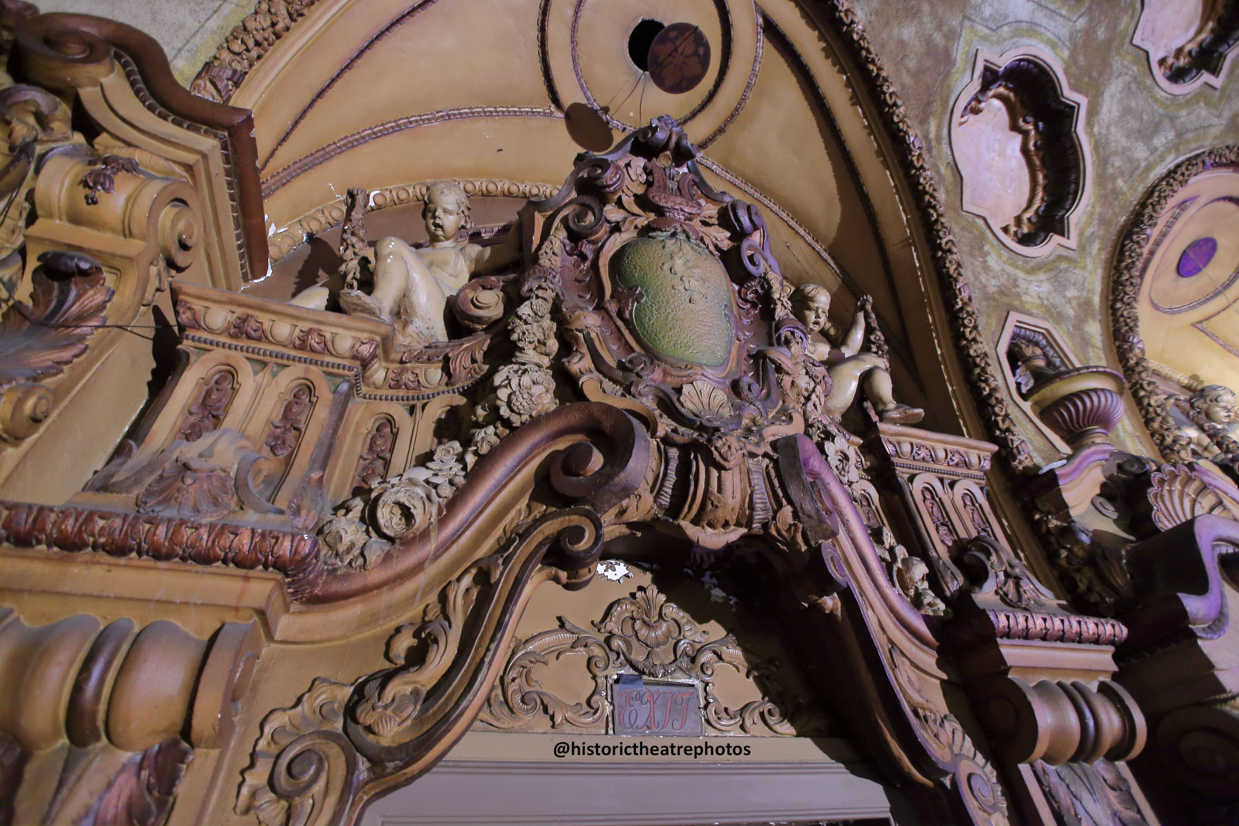 Los Angeles Theatre: House Left closeup