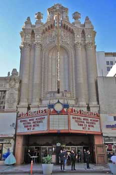 Los Angeles Theatre: Facade