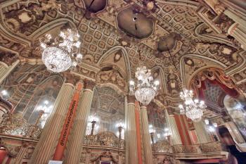 Los Angeles Theatre: Grand Lobby Ceiling