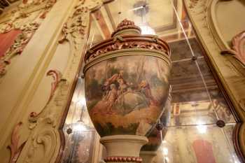 Los Angeles Theatre: Decorative Urn Closeup