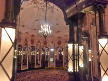 Los Angeles Theatre: Ladies Powder Room entrance
