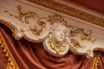 Lyceum Theatre, Sheffield: Plasterwork above Box