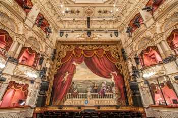 Lyceum Theatre, Sheffield: Stalls Center