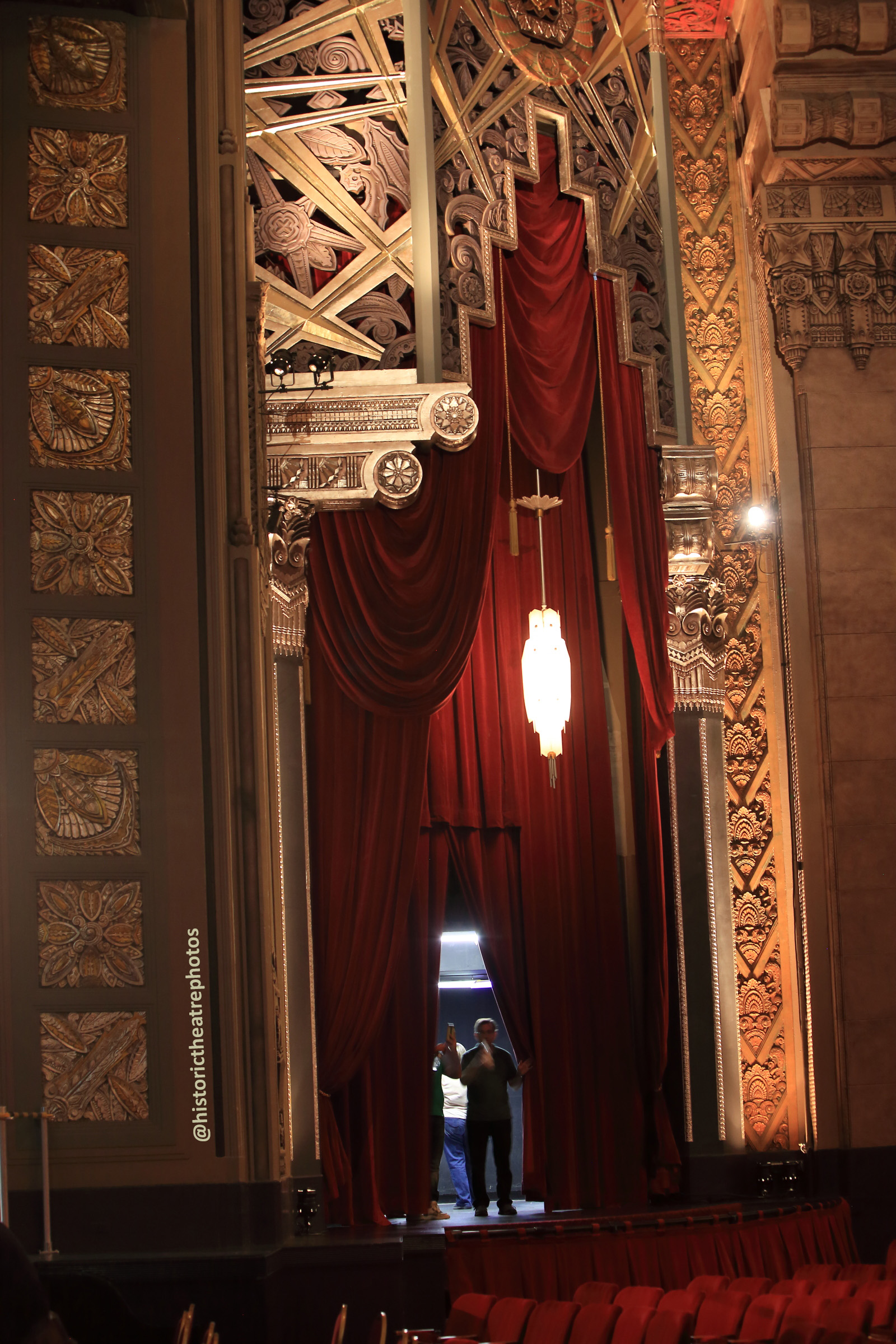 Pantages Theatre, Hollywood: Peering Through Side Stage