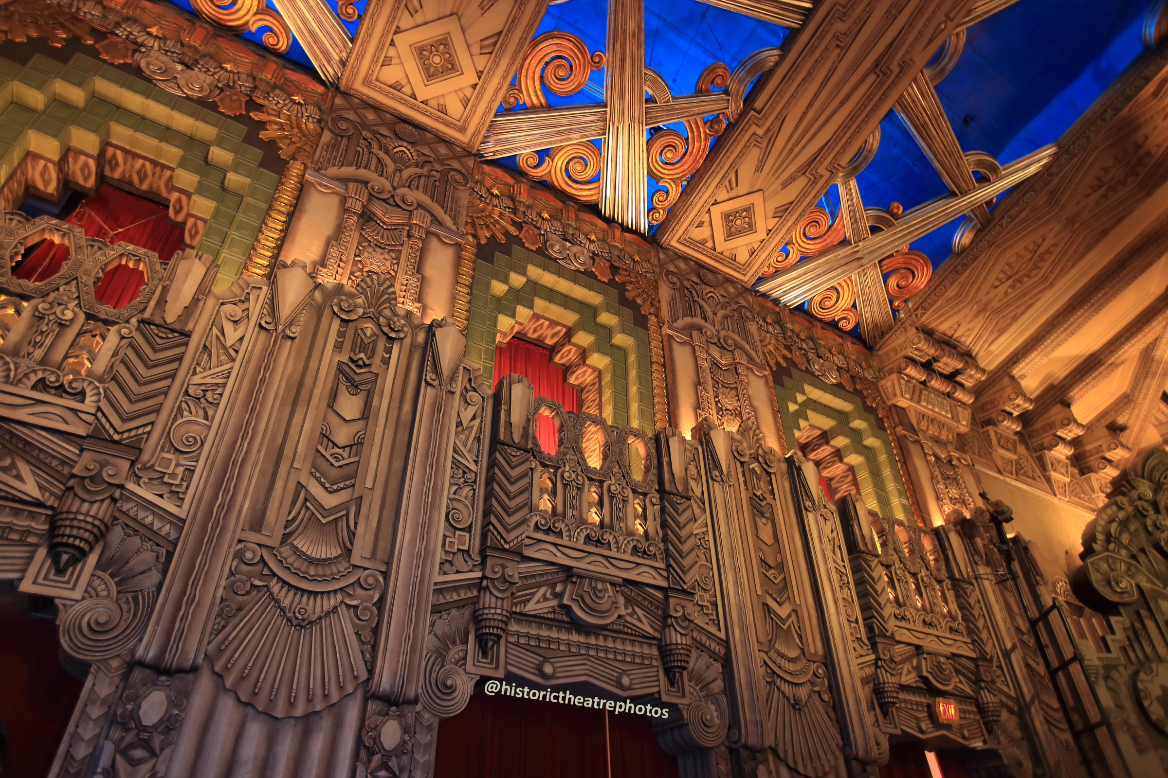 Pantages Theatre, Hollywood: Balcony Level Side Wall