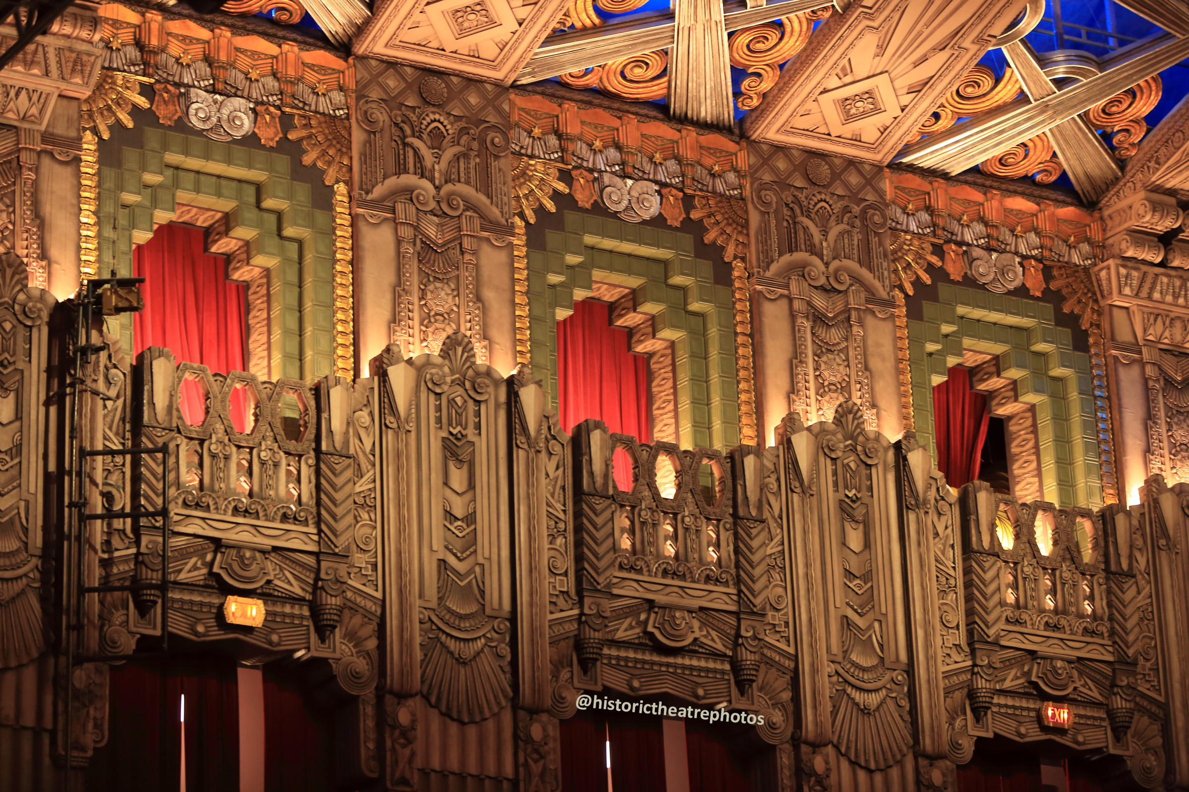 Pantages Theatre, Hollywood: Decorative False Balconies