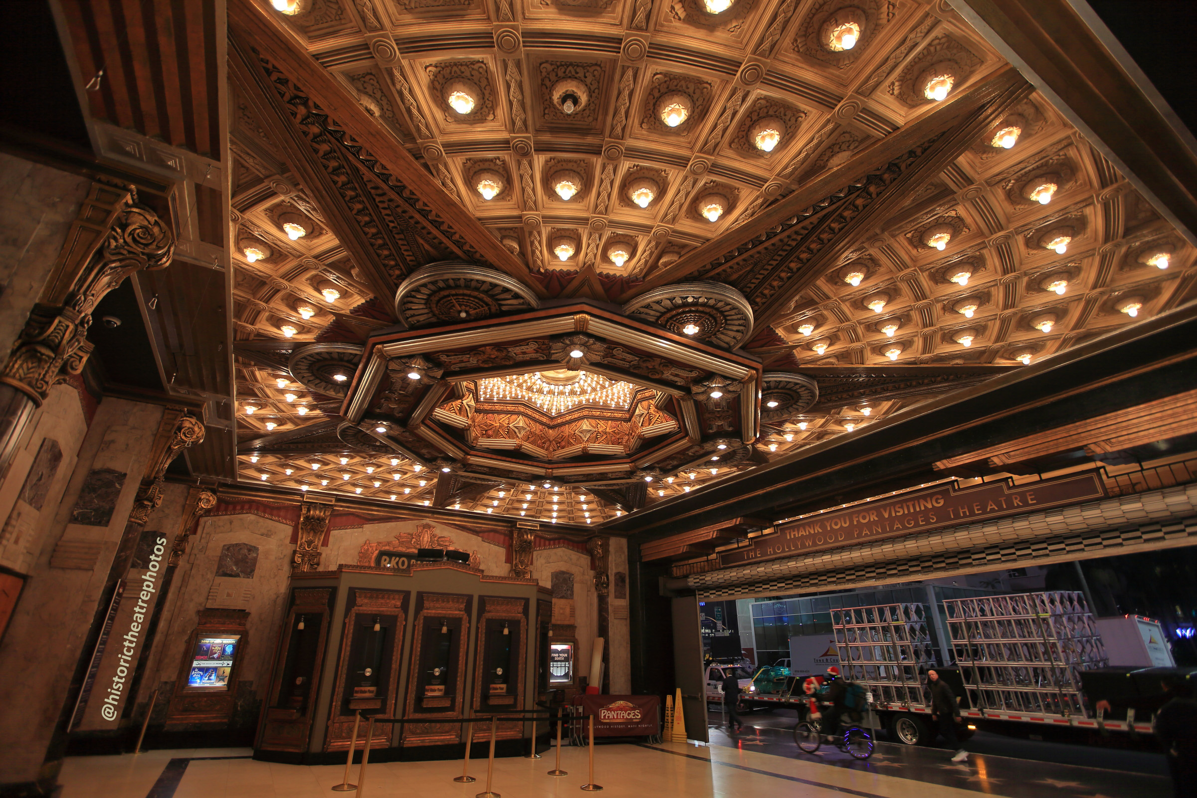 Pantages Theatre, Hollywood: Exterior/Ticket Lobby with Box Office on right
