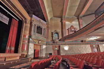 Rialto Theatre, South Pasadena: Orchestra/Main Floor from side