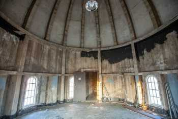 Shrine Auditorium, University Park: Inside the Minaret