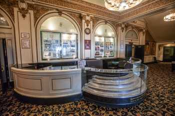 Spreckels Theatre, San Diego: Concessions Stand in main lobby