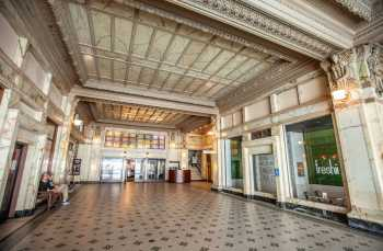 Spreckels Theater, San Diego: Building Lobby