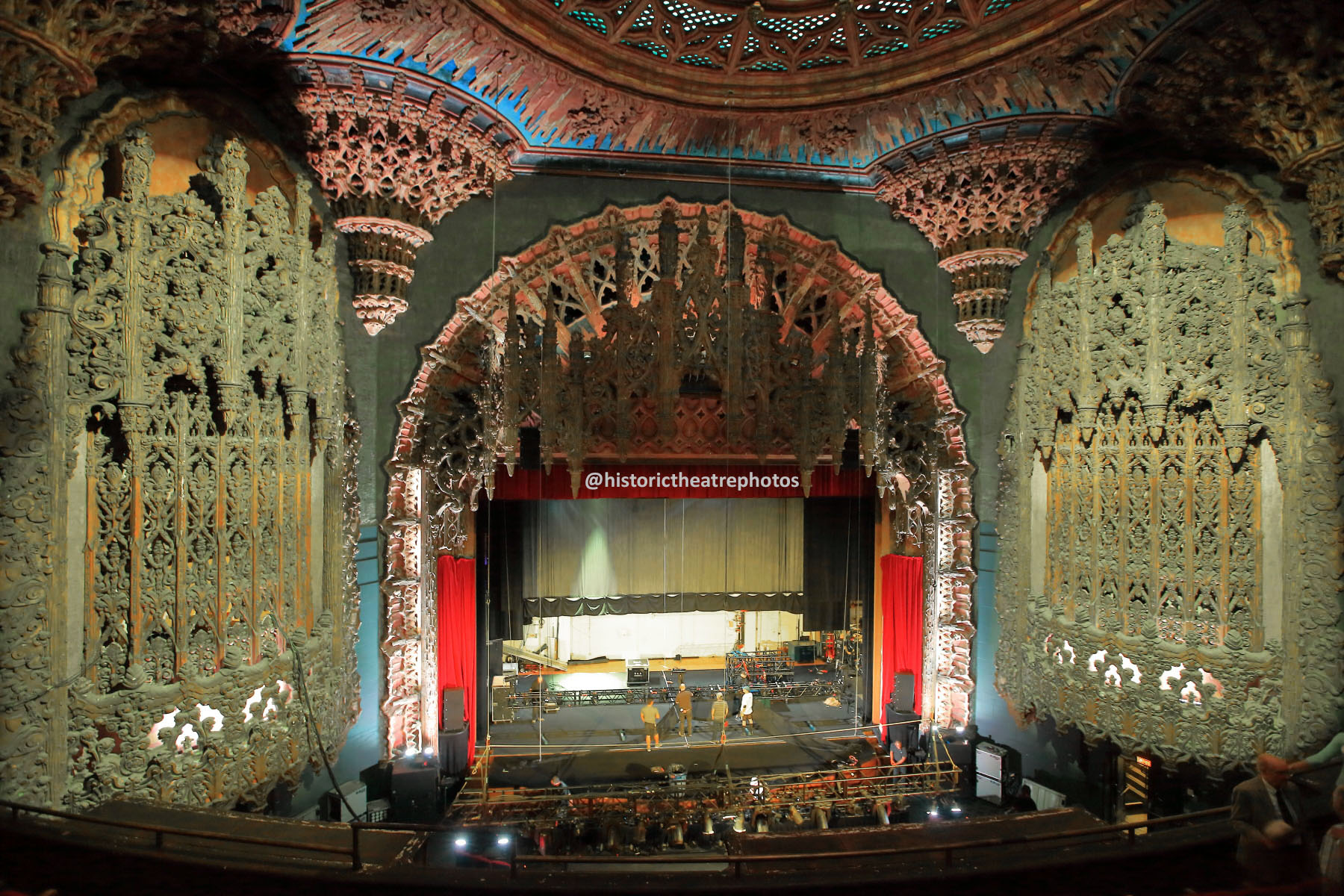 The Theatre at Ace Hotel, Los Angeles: Balcony view to Stage