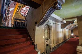 Tower Theatre, Los Angeles: Balcony entrance from upper level of Lobby