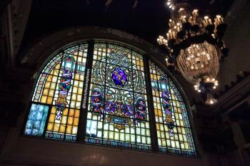 Tower Theatre, Los Angeles: Stained glass window and chandelier