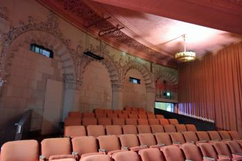 Hollywood Warner Theatre: Rear seating