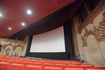 Hollywood Warner Theatre: Screen from seating
