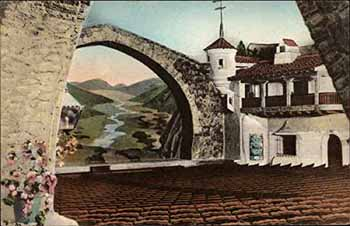 "The original ""bridge"" proscenium arch, 50ft wide and 30ft high"