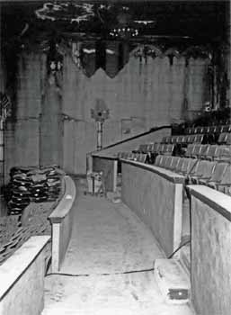 Balcony cross-aisle as photographed in October 2002 prior to restoration (JPG)